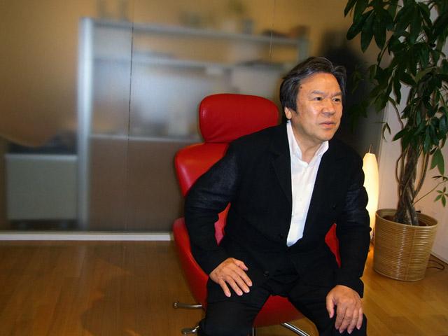 トータルプロデュースを担う喜多俊之氏。人を招き入れるサロン的な空間が一般に普及すれば、相当な内需拡大が見込めると。