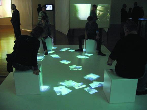 アンテナデザインニューヨーク「ノージー・パーカー」(2005)