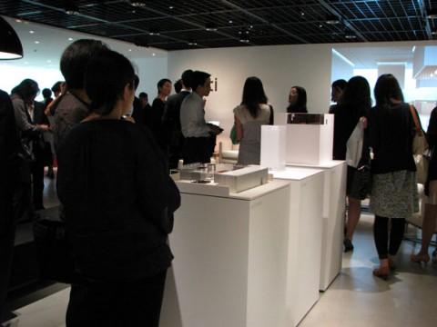 ホテルの空間を描き出した、artiの新作家具展示会