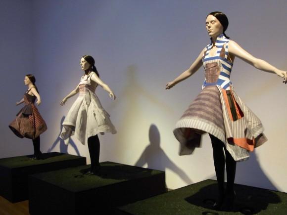 「フセイン・チャラヤン ファッションにはじまり、ファッションへ戻る旅」@MOTがスタートしました。