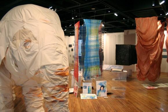 武蔵野美術大学 工芸工業デザイン学科 テキスタイル専攻 卒展・学外展レポート 2010