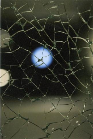the glassーー川辺明伸×三保谷ガラスによる写真展が開催中