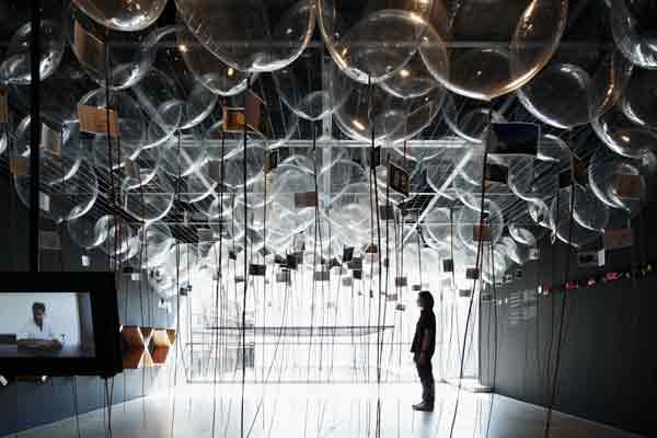 チリ建築界を代表する建築家アレハンドロ・アラヴェナ アジア初となる展覧会を東京・南青山にて開催