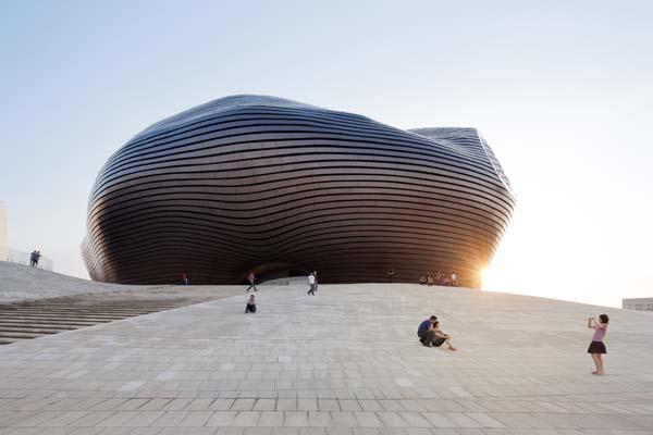 MAD Architectsが設計「The Art and City Museum」 内モンゴル自治区・オルドスに完成