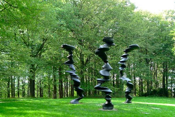 ドイツの隠れた名所「ヴァルトフリーデン」 アートに溢れた心安まる彫刻公園