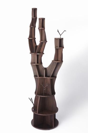 空間のシンボルとなる『木』のシェルフ POINT 長岡勉「tree-shelf」