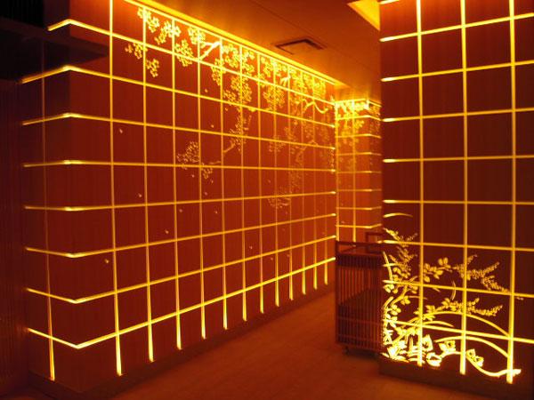 東京・丸の内「パレスホテル東京」内の和食店『和田倉』  非日常感を感じさせるライティング
