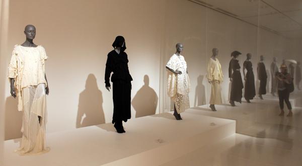 東京都現代美術館「Future Beauty 日本ファッションの未来性」展、レポート