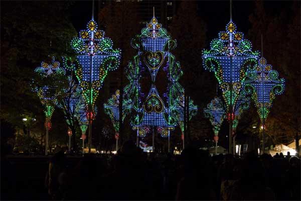 神戸ルミナリエに願う 「18年目の不変の灯り」