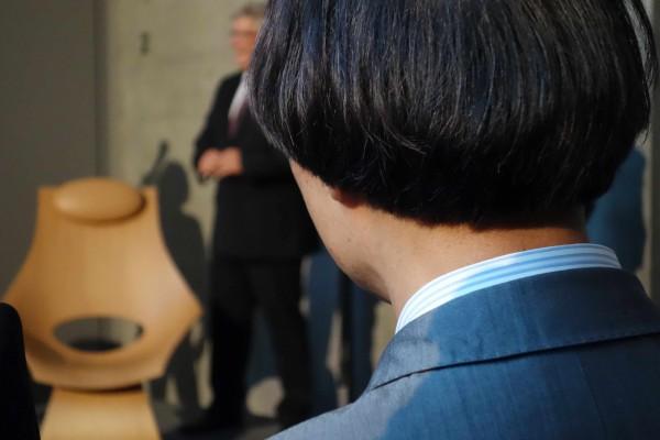 """安藤忠雄がカール・ハンセン&サンのためにデザインした""""夢の椅子""""が、いよいよ発売開始に。"""