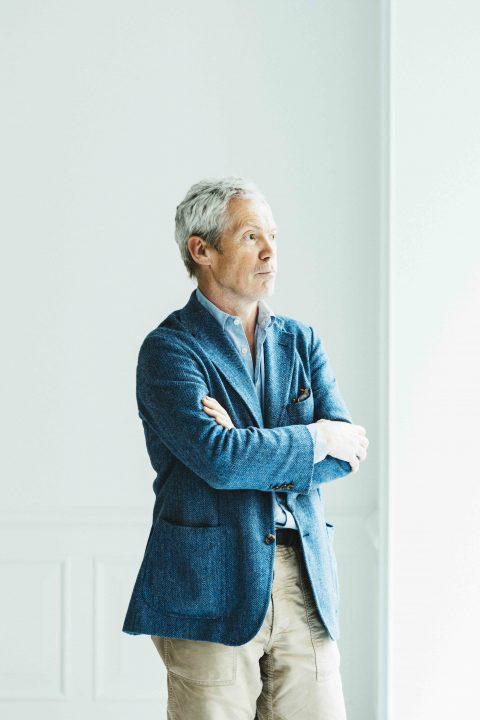 マルニ木工「MARUNI COLLECTION」の新作は「異素材の調和」に注目。 ジャスパー・モリソンさんに聞く新シ…