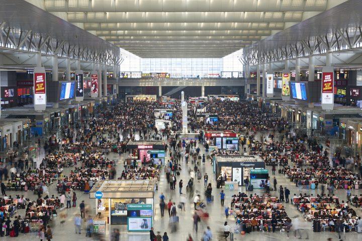 肘掛けは誰のもの? 中国で飛行機や新幹線に乗るときの作法