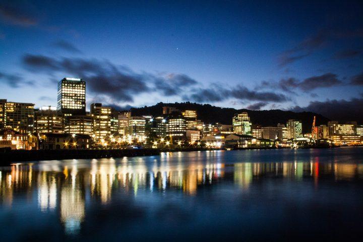 ニュージーランド、ウェリントンまでちょっと旅をしませんか?アーティスト4組の曲でミュージック・トリップ