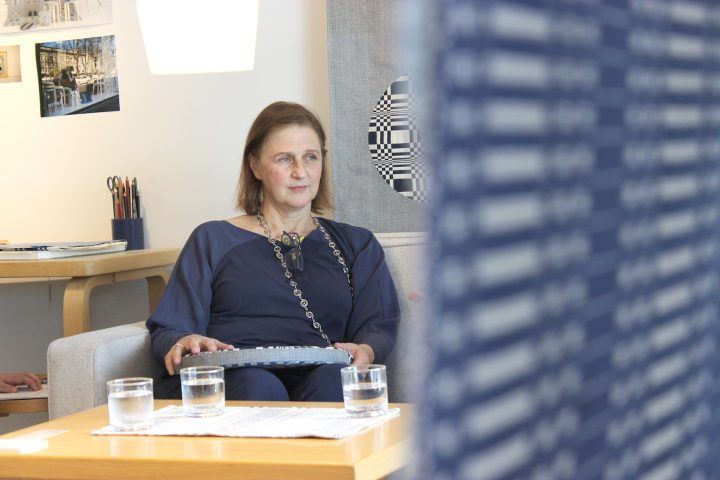 流行にとらわれないテキスタイル。フィンランドのヨハンナ・グリクセンにインタビュー