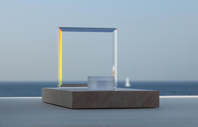 東京ビジネスデザインアワード 2014年度 最優秀賞 カドミ光学工業×クラウドデザイン、進化を続ける「祈り…