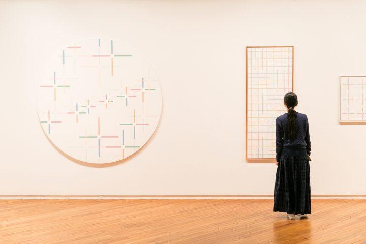 作品に共通する自然の色彩と陰影。 吉川静子「私の島は何処」、そのインスピレーションの源を辿る。【5月2…