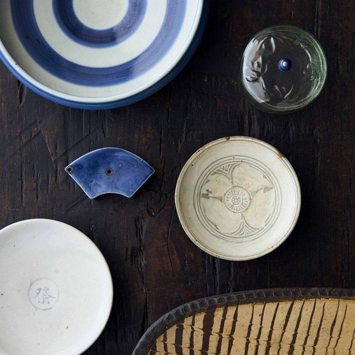 目利きによる選りすぐりの品々が揃う、神楽坂で「青花の会 骨董祭2018」開催。