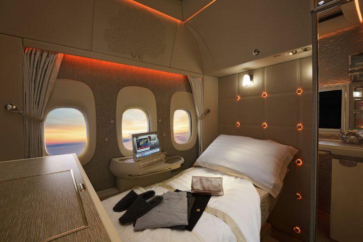 エミレーツ航空が提案する「窓のない旅客機」。そのデザインが意味するもの