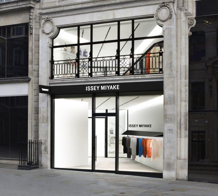 ISSEY MIYAKEの新店舗がロンドンのMayfair地区にオープン 空間デザインは吉岡徳仁氏