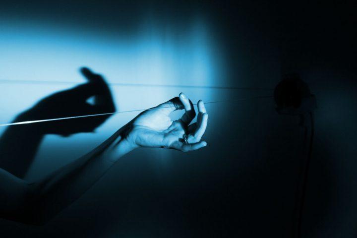 銀座メゾンエルメスにてエルメスのアーティスト・レジデンシー展を開催 「眠らない手」と題し9名の作品を…