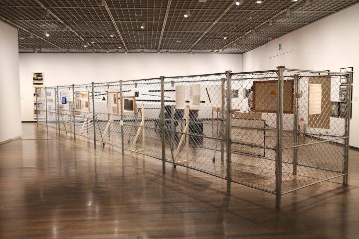 「ゴードン・マッタ=クラーク展」レポート 5つの変異・変容する空間をくぐり抜ける展示形式で作風を顧みる