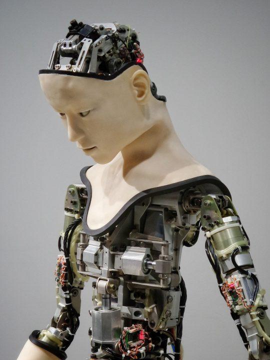 ソニーがロボット工学の石黒浩氏を招聘 調理とデリバリーというテーマで外部連携のネットワーク化を推進