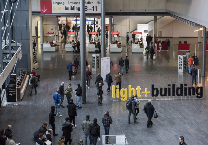 24万人を動員した世界最大の照明見本市「Light + Building 2018」 テックと意匠の先端が集う場が照らす未…