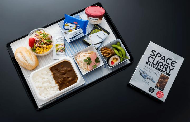 ANAとJAXAがコラボレーション 宇宙日本食を機内で食べられる「宇宙フライト2018」が実施