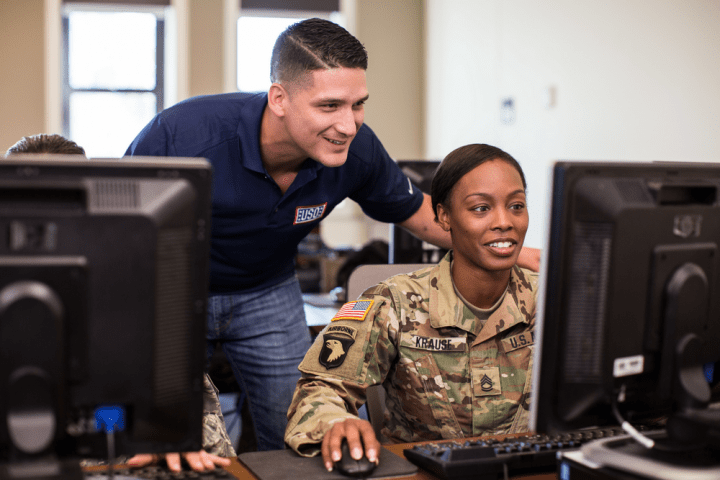 Googleが退役軍人のキャリアサポート 軍役時のスキルを活かしたジョブサーチを可能に