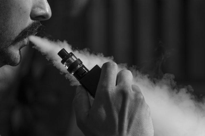 電子タバコが健康をおびやかす!? 米・ミネソタ大学の研究者が調査報告をまとめる