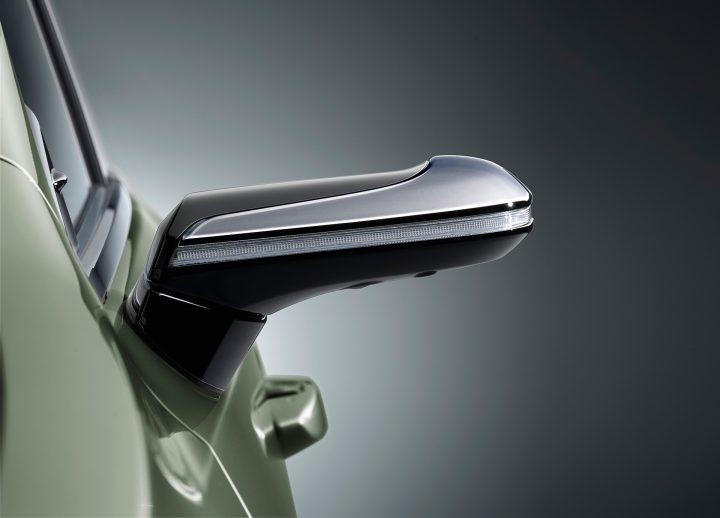 LEXUSがデジタルアウターミラーの採用を発表 量産車としては世界初