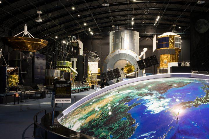 生活に密着した地球観測衛星の魅力を伝えたい——JAXA・第一宇宙技術部門で使われるAXISフォント