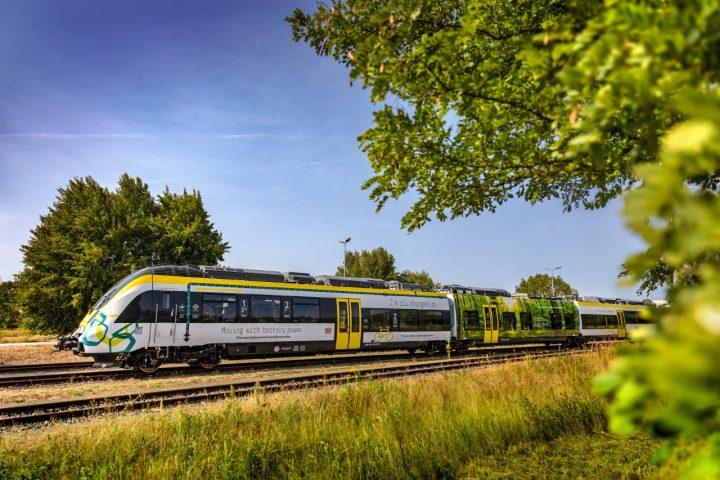 バッテリー駆動式の新型列車「TALENT 3」 ボンバルディア・トランスポーテーションが初公開