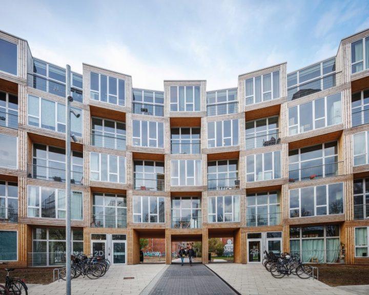 ビャルケ・インゲルス率いる建築事務所BIGが手がけた 低価格のモジュール型集合住宅が完成