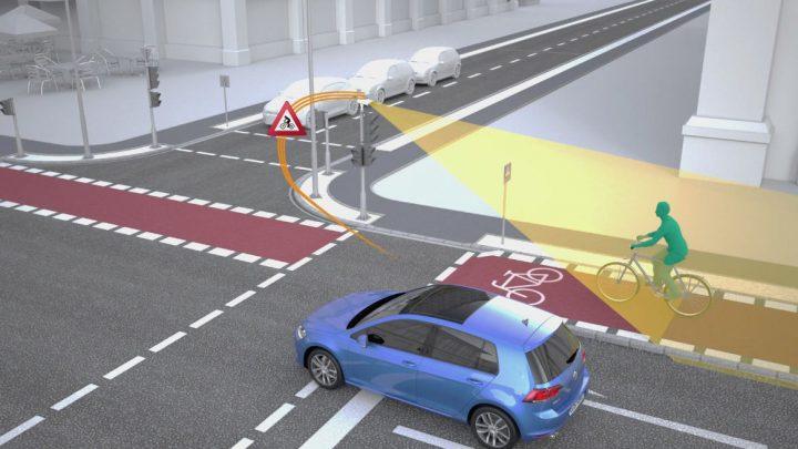 フォルクスワーゲンとシーメンス 交差点での安全性向上を目指す新機能を共同開発