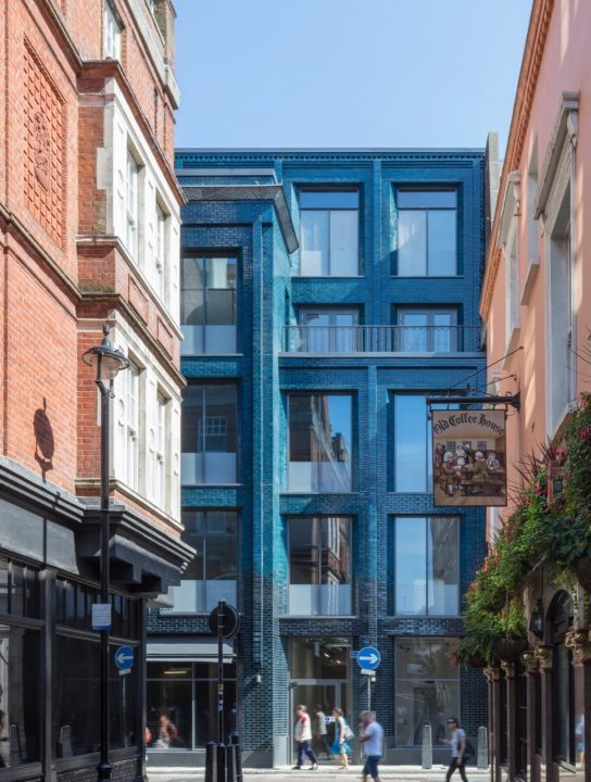 イギリスの現代美術家ダミアン・ハーストが購入 ロンドンの建築事務所Stiff + Trevillionが手がけた「40 B…