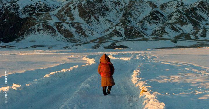 モンクレールがユニセフと展開する「WARMLY MONCLER」 世界で最も寒い国々に住む厳しい環境下の子どもたち…