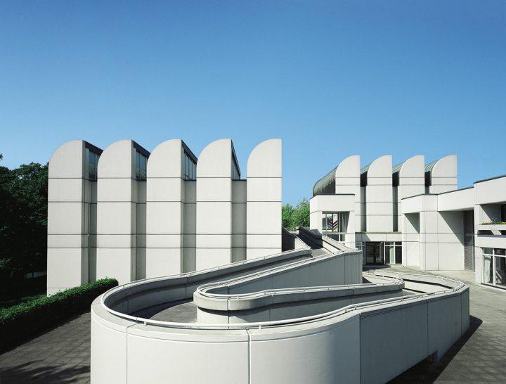 バウハウス資料館の新資料館が建設中 ドイツの建築家 Volker Staabが設計を担当