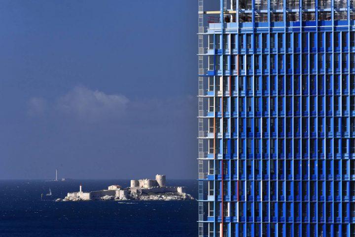 ジャン・ヌーヴェルが手がけたオフィスタワー「La Marseillaise」 地中海の濃密な空気になる軽やかな建築
