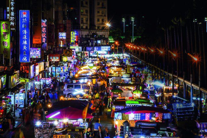 人々の本能的な欲求が映し出される場 台湾「中壢(ちゅうれき)観光夜市」の魅力
