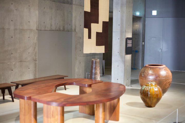 「民藝 MINGEI -Another Kind of Art展」レポート 心許ない社会に対して安心感を感じさせるモノたち