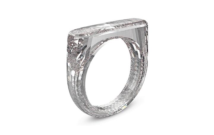 ジョナサン・アイブとマーク・ニューソンが協働 Diamond Foundry®製の合成ダイヤモンド指輪がサザビーズに…