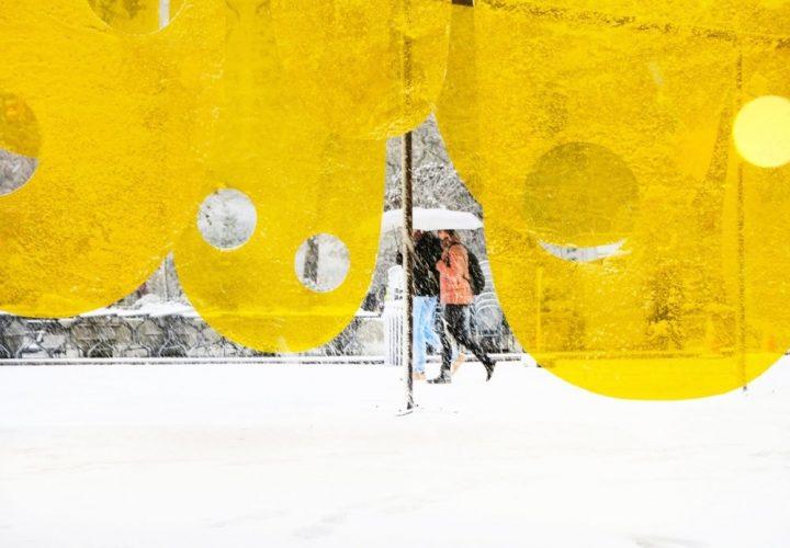 Studio Cadenaのインスタレーション「Happy」 ニューヨークの厳しさを包み込む暖かみのある空間