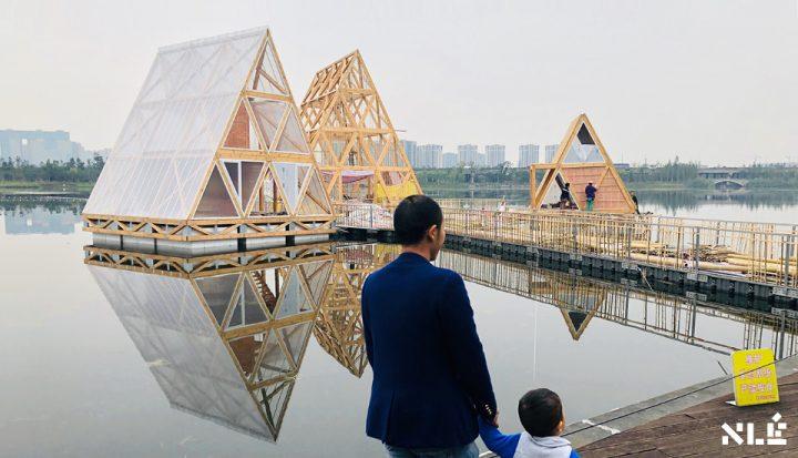ナイジェリアの建築事務所 NLÉが浮遊構造物「MFS IIIx3」を発表 水に浮く組み立て・自律式の建築システム