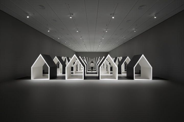 エッシャーとnendoの競演。絵画の魅力を空間に落とし込んだ「Escher x nendo | Between Two Worlds」