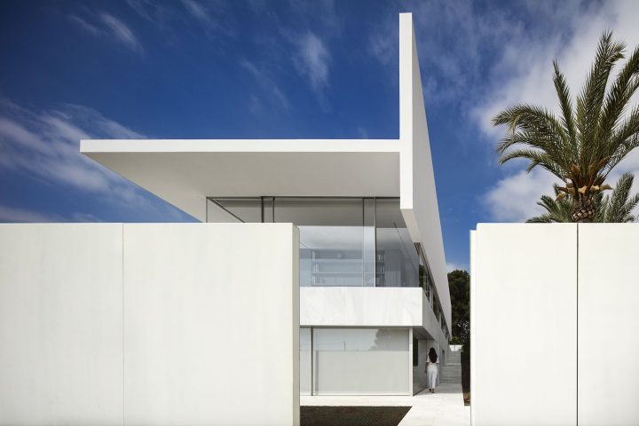 FRAN SILVESTRE ARQUITECTOSが手がけた スペイン・バレンシアの住宅「HOFMANN HOUSE」