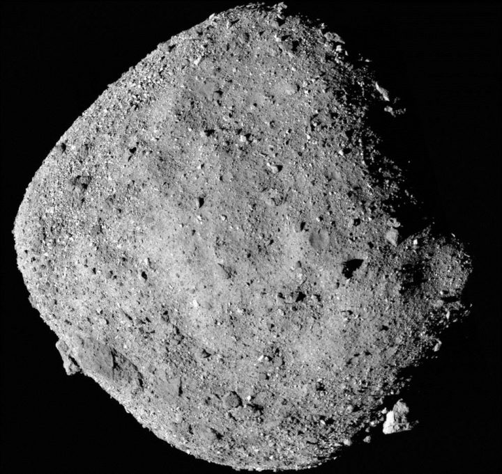 NASAの宇宙探査機「オシリス・レックス」 小惑星「ベンヌ」で水の成分を確認