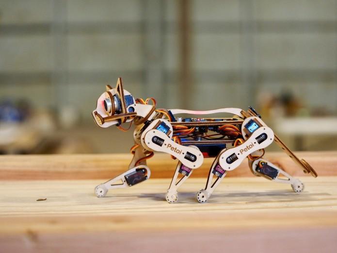 オープンソースのロボット子猫「Nybble」 クラウドファンディングを実施中