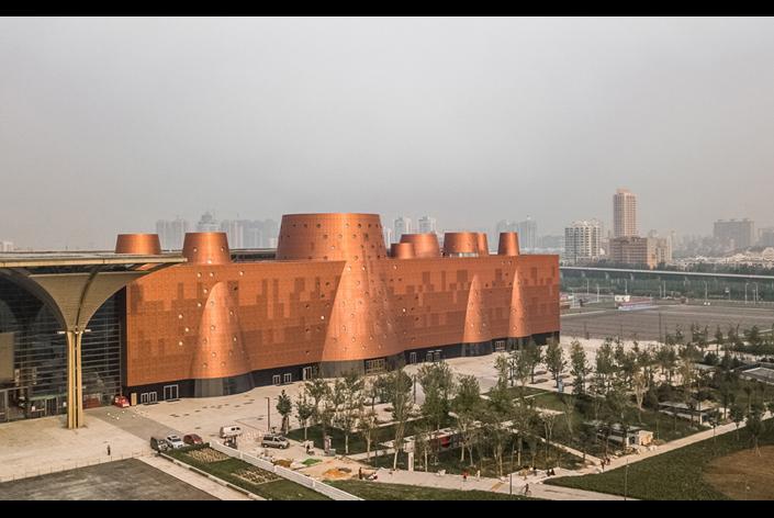 中国・天津に「Tianjin Binhai Exploratorium」が完成 設計はBernard Tschumi Architectsが担当