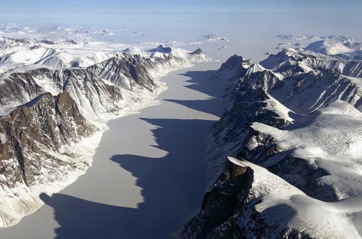 4万年以上も氷に覆われていた風景が出現 カナダ北極圏の温暖化の影響か